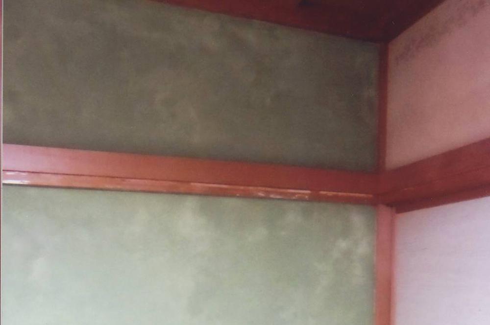 作品賞・入選作品④・壁の黒ずみが消えて明るく爽やかな仏間に変身。