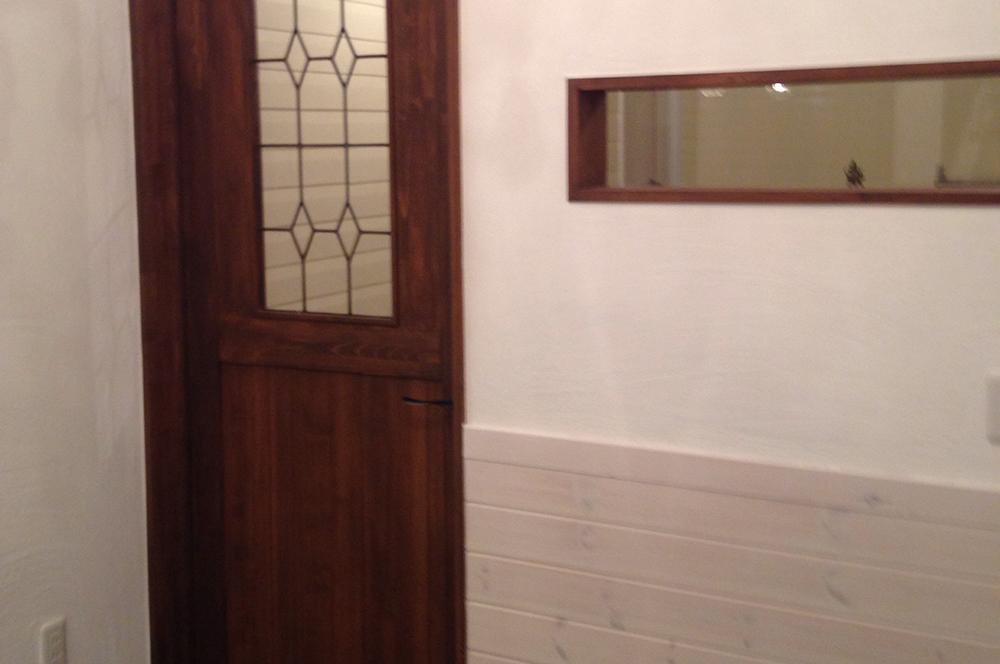 漆喰壁・ドア・手塗りで仕上げた超大作!漆喰壁のパン屋さん。