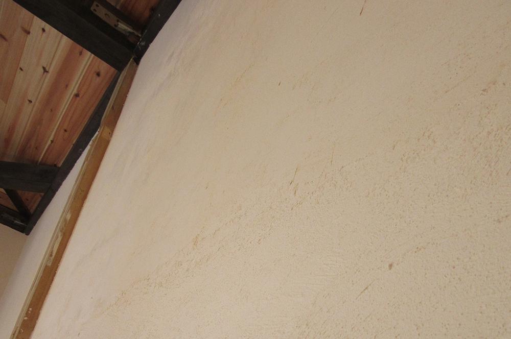漆喰・壁・木と漆喰の見事なコラボレーション!