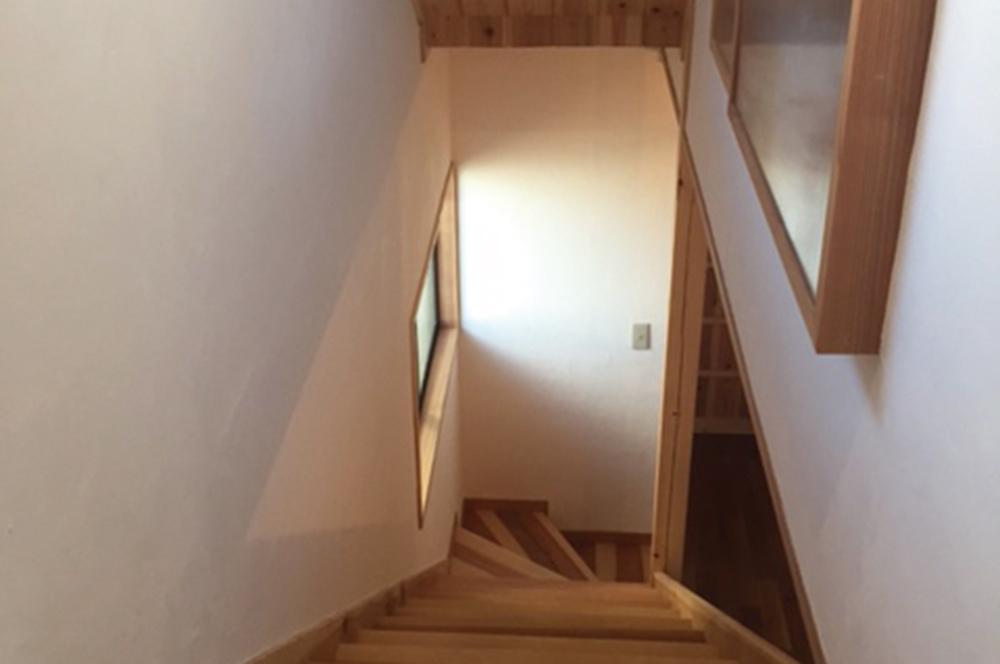 階段・中古住宅を4年かけて全面DIYリフォーム!